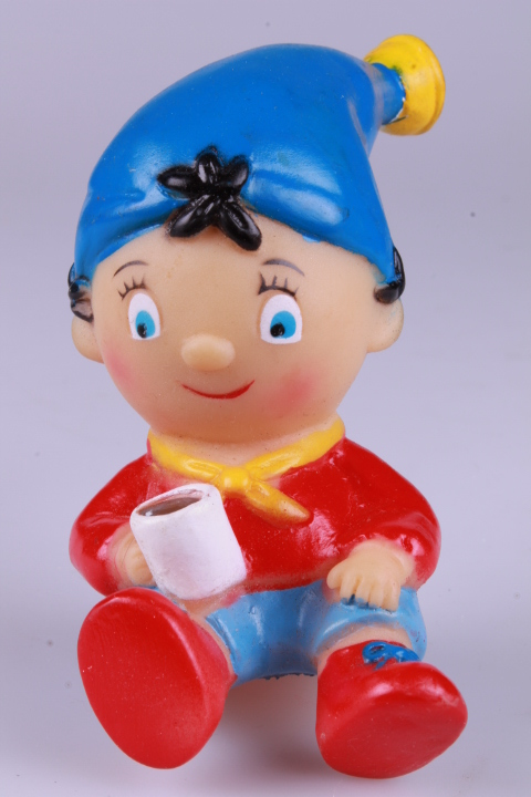 *11 cm Noddy sitting hard plast
